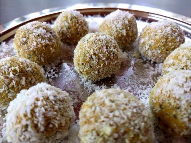 Turmeric bliss balls
